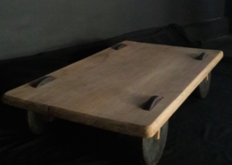 Table des moinillons /chêne ancien, fonte